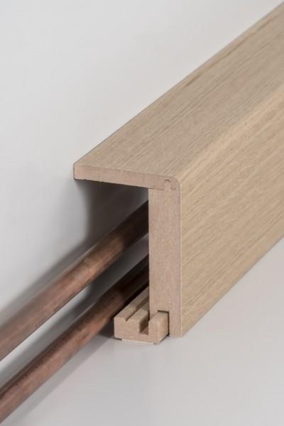 Rohrabdeckleiste Eiche lackiert (einteilig) 64 x 96 x 2500 mm, Innenmaß: 45 x 88 mm, Oberkante abger